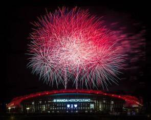 Wanda estadioko inaugurazioa Hermanos Caballer suekin